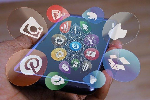 Choisir un réseau social avec World Wild Web